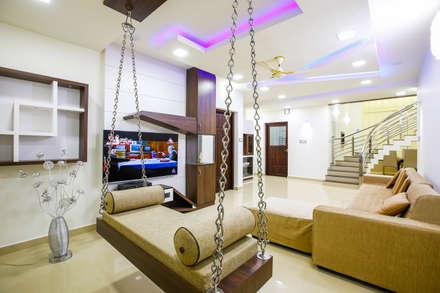 Feel Beauty of Richness..: classic Living room by Premdas Krishna