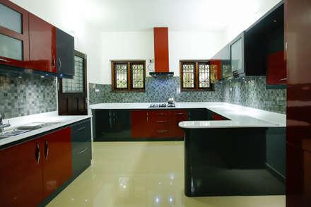 Feel Beauty of Richness..: classic Kitchen by Premdas Krishna