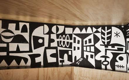 Detalle mural Branda: Bares y Clubs de estilo  de Estudio de Arquitectura Sra.Farnsworth