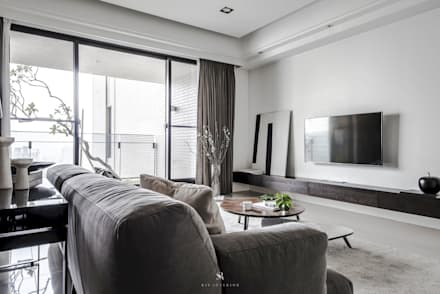 森.光景|Wood-Scape:  客廳 by 理絲室內設計有限公司 Ris Interior Design Co., Ltd.