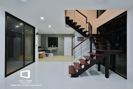 MODERN LOFT 2-STOREY HOMES:  ห้องนั่งเล่น by BEYOND HOME (THAILAND) Co.,Ltd