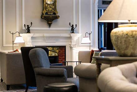 The Farmers Club Whitehall Lounge_14:  Bars & clubs by helen hughes design studio ltd