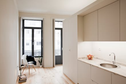 Estúdios FG75 - Reabilitação: Cozinhas modernas por A2OFFICE