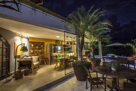 Espaço gourmet: Jardins ecléticos por Amanda Diniz Arquitetura & Interiores