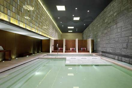 曦軒水療館   XiXuan Medi-Spa:  泳池 by  何侯設計   Ho + Hou Studio Architects