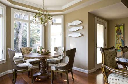 Caribbean Dream - Breakfast Area: tropical Kitchen by Lorna Gross Interior Design