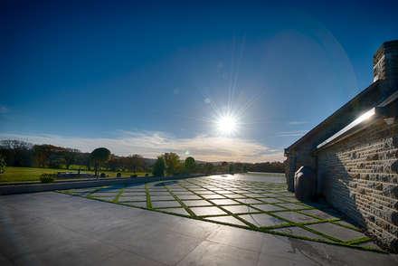 Forty Farm:  Terrace by Smarta