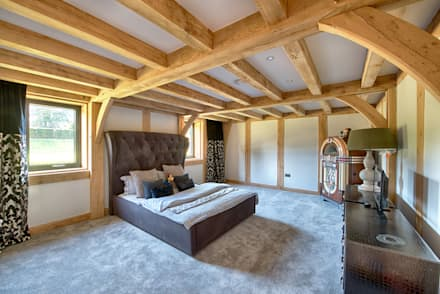 Forty Farm: colonial Bedroom by Smarta