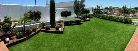 Césped artificial en Guimar: Jardines de estilo tropical de Picconia