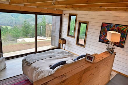 Casa Vichuquén: Dormitorios de estilo moderno por AtelierStudio