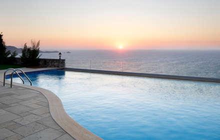EK SUMMER HOUSE: mediterranean Pool by Esra Kazmirci Mimarlik