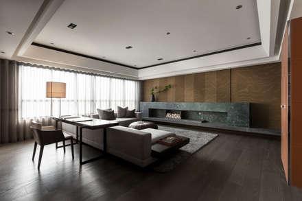 Salas / recibidores de estilo asiático por 大觀室內設計工程有限公司
