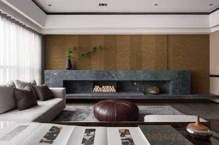 Livings de estilo asiático por 大觀室內設計工程有限公司