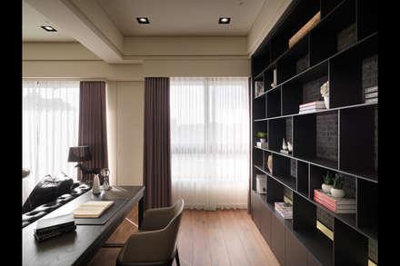 Oficinas de estilo  por 星葉室內裝修有限公司