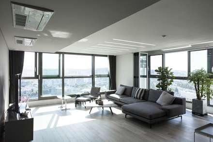 modern Living room by 윤홍디자인