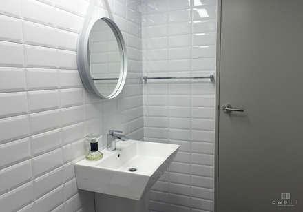 Scandinavian Bathroom By 드웰디자인