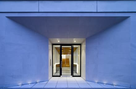 Kensington Garden Square:  Commercial Spaces by Ciarcelluti Mathers Architecture