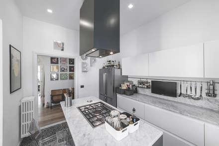 57125 House: Cucina in stile in stile Moderno di MODO Architettura