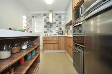 ห้องครัว by Condecorar Arquitetura e Interiores