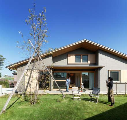 บ้านและที่อยู่อาศัย by 磯村建築設計事務所
