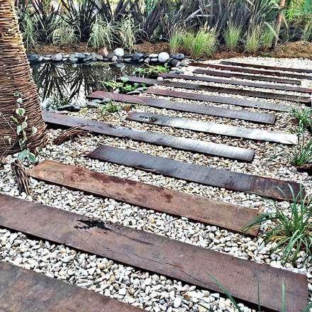 Espacio J3 Raices - Estilo Pilar 2017 Puertos del Lago: Jardines de estilo rústico por Estudio Raices