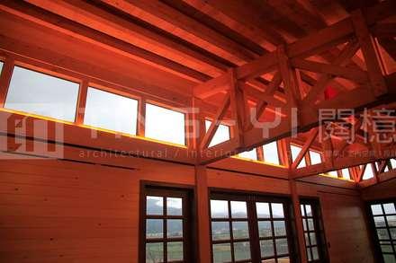 【木建築】宜蘭三星鄉│江宅│獨棟別墅│建坪100坪:  窗戶與門 by 閮檍設計 Ting Yi Design