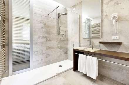 rifacimento bagno bagno in stile in stile moderno di ristrutturazione casa roma