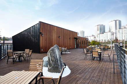 함께커피 FARM TO COP : IRO Design의  바 & 카페