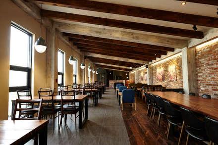 Quán bar & club by IRO Design