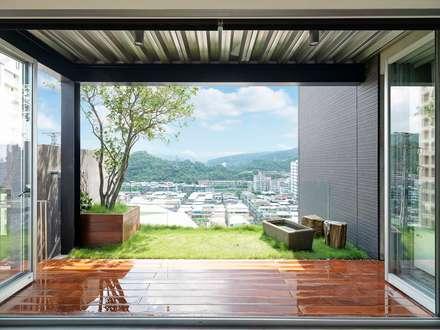 瞰:  露臺 by 前置建築 Preposition Architecture