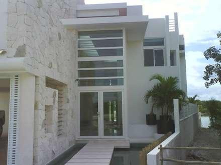 mediterranean Houses by sanmartiarquitectos