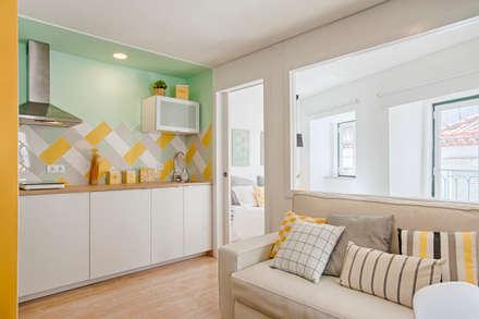 Sala e Kitchenette: Cozinhas modernas por menta, creative architecture