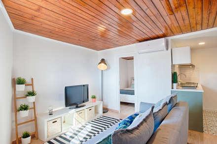 غرفة المعيشة تنفيذ menta, creative architecture