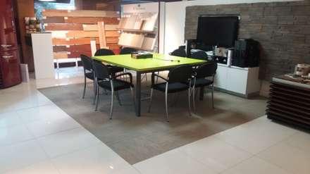 Proyecto Comercial, Showroom Empresa de Revestimientos y terminaciones, Santiago Chile: Oficinas y Comercios de estilo  por Floover Latam