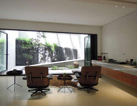 Light 加減0的生活美學:  影音室 by 構築設計