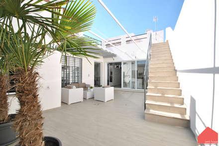 Casa Castilla la Vieja: Jardines de estilo moderno de b2v arquitectura