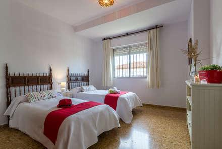 Dormitorio: Dormitorios infantiles de estilo mediterráneo de Home & Haus | Home Staging & Fotografía