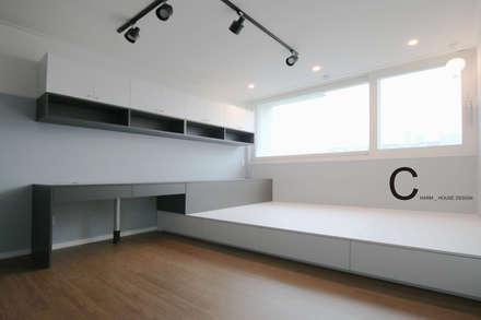 modern Media room by CHARM_HOUSE