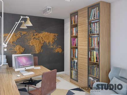 strefa spokoju: styl , w kategorii Domowe biuro i gabinet zaprojektowany przez MIKOŁAJSKAstudio