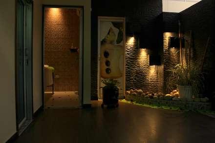 Lobbie: Clínicas de estilo  por Lina Rosas Diseño Interior