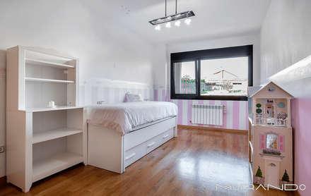 Chambre d'enfant de style de style Rustique par MORANDO INMOBILIARIA
