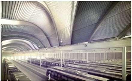 Maintenance Depot: Garage/Rimessa in stile in stile Industriale di Studio Associato di architettura MBiM