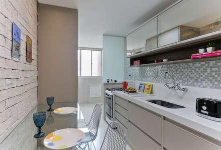 modern Kitchen by GRUPO AE - ARQUITETURA+ENGENHARIA