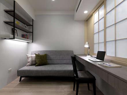 scandinavian Study/office by 倍果設計有限公司