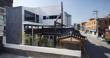 asian Houses by CoRe architects