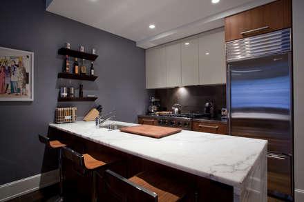 Bachelor Pad: Modern Kitchen By JKG Interiors
