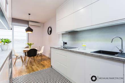 Warszawa / Praga Południe: styl , w kategorii Kuchnia zaprojektowany przez Michał Młynarczyk Fotograf Wnętrz