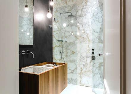 APARTMENT P: Bagno in stile in stile Moderno di NOMADE ARCHITETTURA E INTERIOR DESIGN