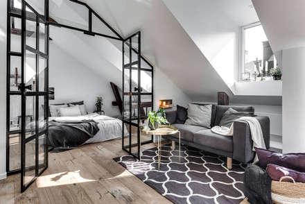 37 mq intelligenti: Soggiorno in stile in stile Scandinavo di Design for Love