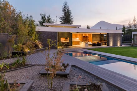 مسبح حديقة تنفيذ Nicolas Loi + Arquitectos Asociados